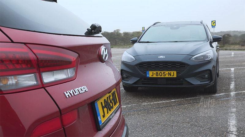 De vernieuwde Hyundai i30 Wagon versus de Ford Focus Wagon: welke is beter? AutoWeek zocht het uit.