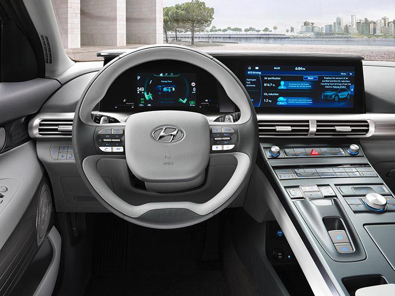 Op een volle tank waterstof kun je tot maar liefst 665 km afleggen in de Hyundai NEXO.