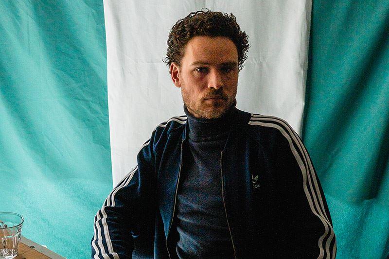 De Nederlandse kunstenaar Vincent de Boer liet zich inspireren door het unieke front van de Hyundai BAYON.