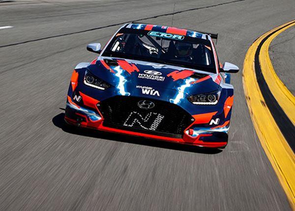 Na de elektrische raceauto komt Hyundai ook met een hybride-rallyauto