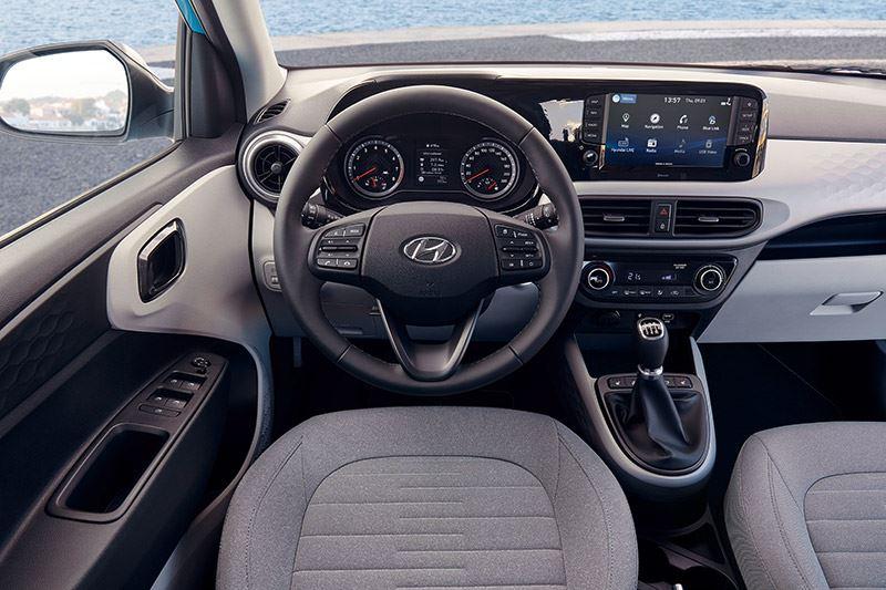 Het interieur van de Hyundai i10 ziet er volwassen uit.