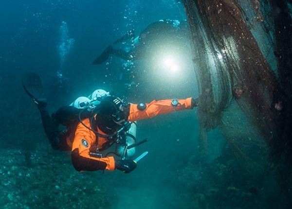 Samen met Healthy Seas in actie tegen spooknetten in zee