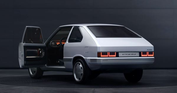 Back to the future met super-coole Hyundai Pony EV Heritage