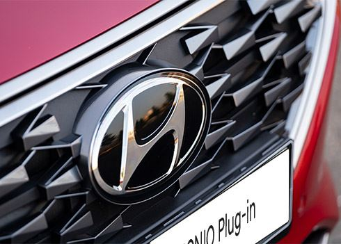 Hyundai IONIQ laat BMW i8 en Porsche Boxster achter zich