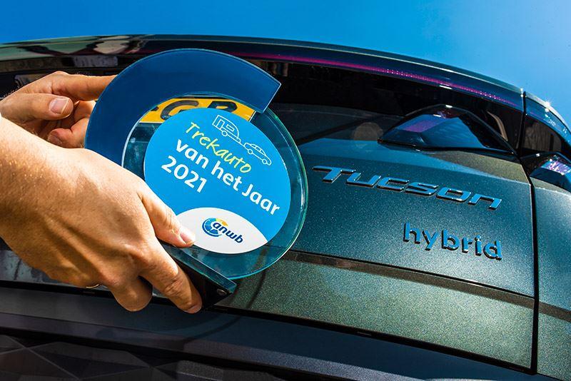 De Hyundai TUCSON 1.6 T-GDI Hybrid is door ANWB Kamperen uitgeroepen tot Trekauto van het Jaar 2021.