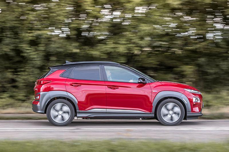 Met een volle accu en een fluwelen rechtervoet kom je in de Hyundai KONA Electric algauw 400 km ver.