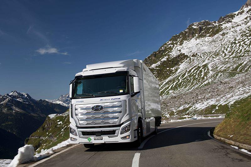 Verwacht wordt dat rond 2025 in totaal 1.600 waterstoftrucks XCIENT Fuell Cel van Hyundai in Europa actief zijn.