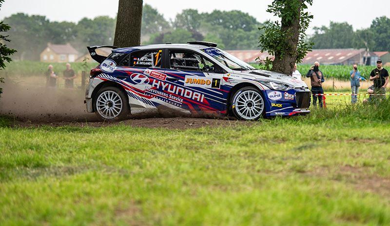 De rallyauto Hyundai i20 R5 is gebaseerd op de productieversie van de Hyundai i20 (foto Marije van der Vliet).