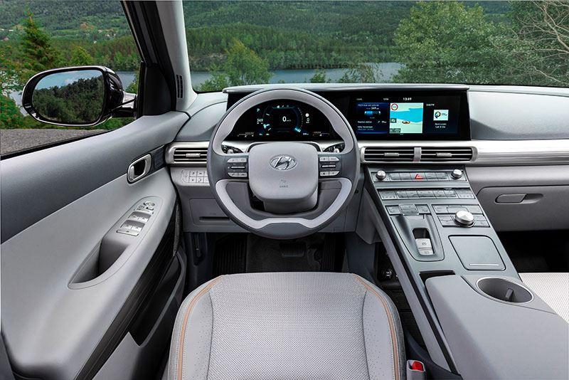 In de hele wereld is er maar één SUV te koop die op waterstof rijdt: de Hyundai NEXO.