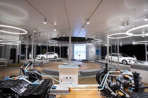 IMG-MAIL-hyundai-pop-up-store-amsterdam-4.jpg