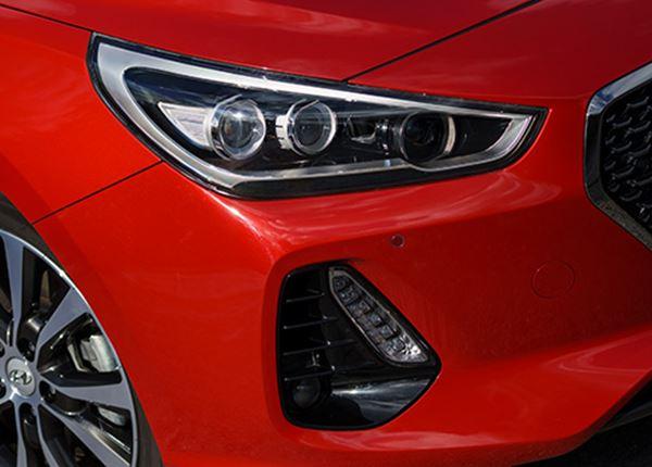 Hyundai i30 zit VW Golf op de hielen