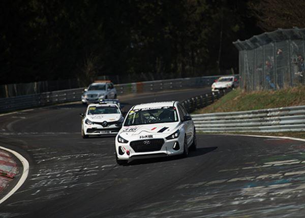 Hyundai i30 N tot het uiterste tijdens VLN-endurancerace