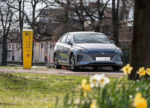 Met de IONIQ Electric op roadtrip door Europa
