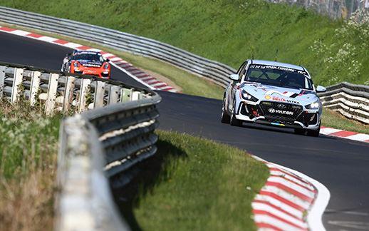 6-Hyundai-24H-Race-Nurburgring-2017.jpg