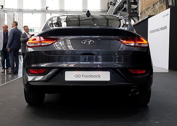 Hyundai TV: dit is de Hyundai i30 Fastback