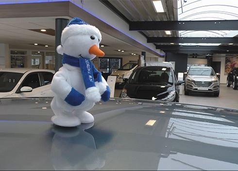 Dansende sneeuwpoppen bij de Winterinspectie