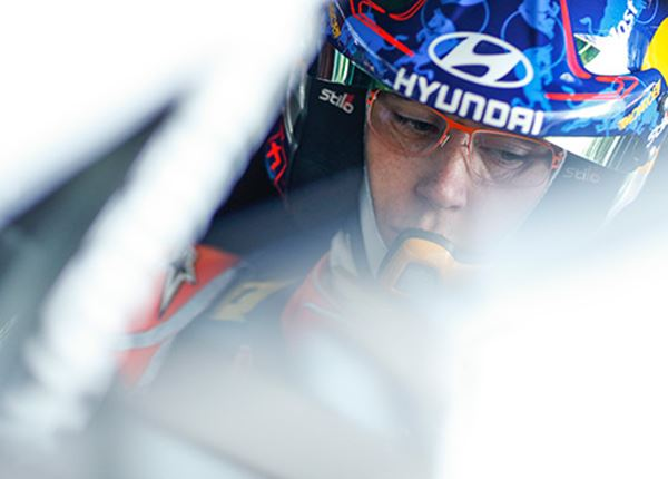Thierry Neuville aan de leiding in WK rally!