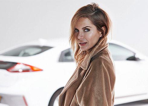 Actrice Hanna Verboom geeft introductie Hyundai IONIQ een bekend gezicht.