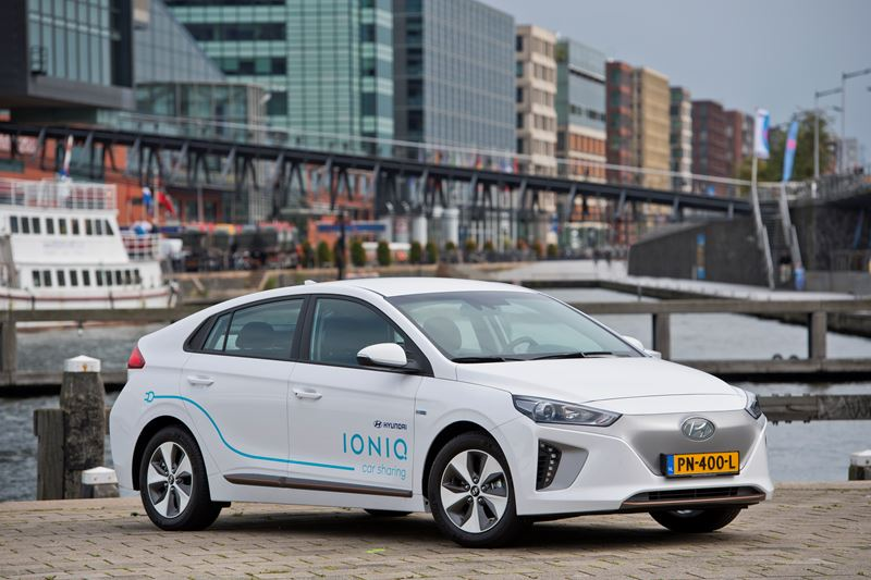 Uniek Car Sharing-project in Amsterdam met honderd elektrische Hyundai's IONIQ