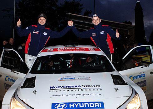 Bob de Jong snelt met Hyundai i20 R5 naar tweede plaats in Twente