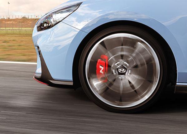 Hyundai TV: Autopers tot het uiterste in Hyundai i30 N op Circuit Zolder