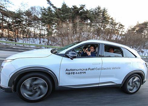 Zelfrijdende Hyundai NEXO legt 190 km af