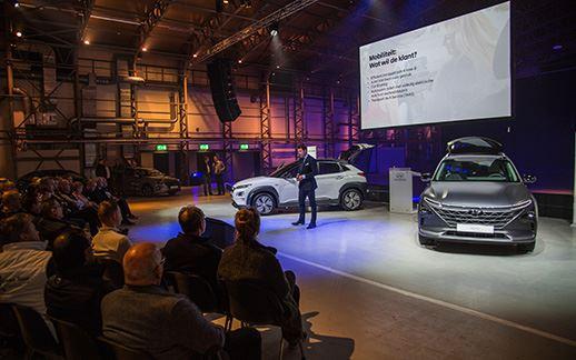 Hyundai-rEVolution-event-Theaterhangaar-7.jpg