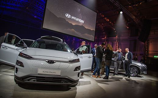 Hyundai-rEVolution-event-Theaterhangaar-6.jpg