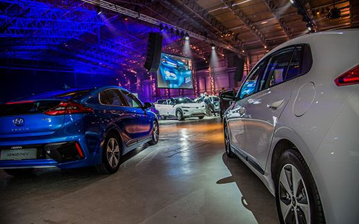 Hyundai-rEVolution-event-Theaterhangaar-5.jpg