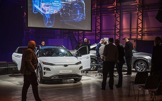 Hyundai-rEVolution-event-Theaterhangaar-4.jpg