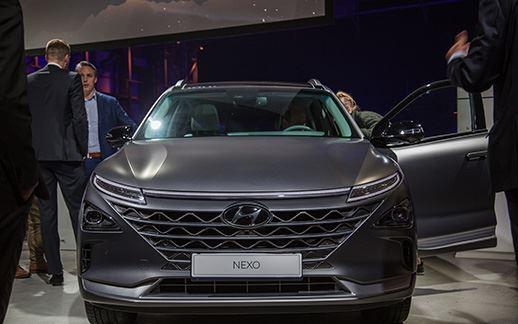 Hyundai-rEVolution-event-Theaterhangaar-3.jpg