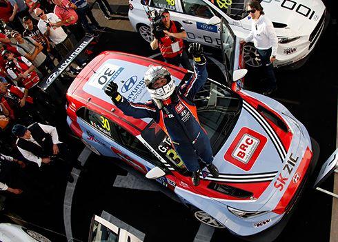 Hyundai 1, 2 en 3 in openingswedstrijd WTCR