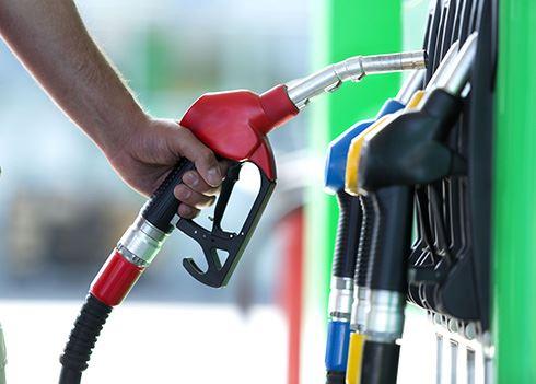 Benzine en diesel hebben een nieuwe naam, óók in het buitenland