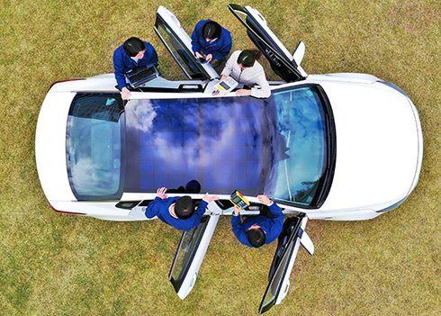 Auto's met zonnepanelen: ze komen eraan!