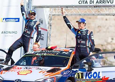 Rallyteam aan de leiding na winst op Corsica