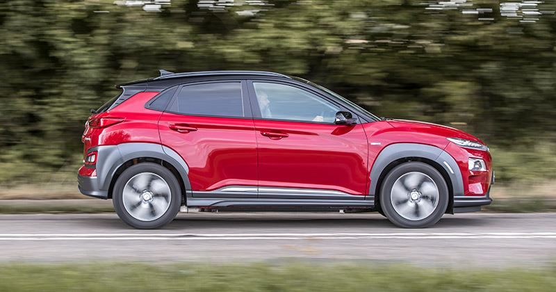 De Hyundai KONA Electric won in de categorie elektrische auto's bij de Honest John Awards 2019.