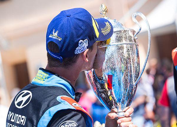 Sordo slaat toe in slotkilometers Rally van Sardinië