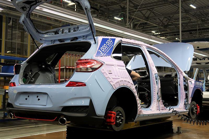 De drie miljoenste Hyundai die in de fabriek in Tsjechië van de band rolde was een Hyundai i30 N.
