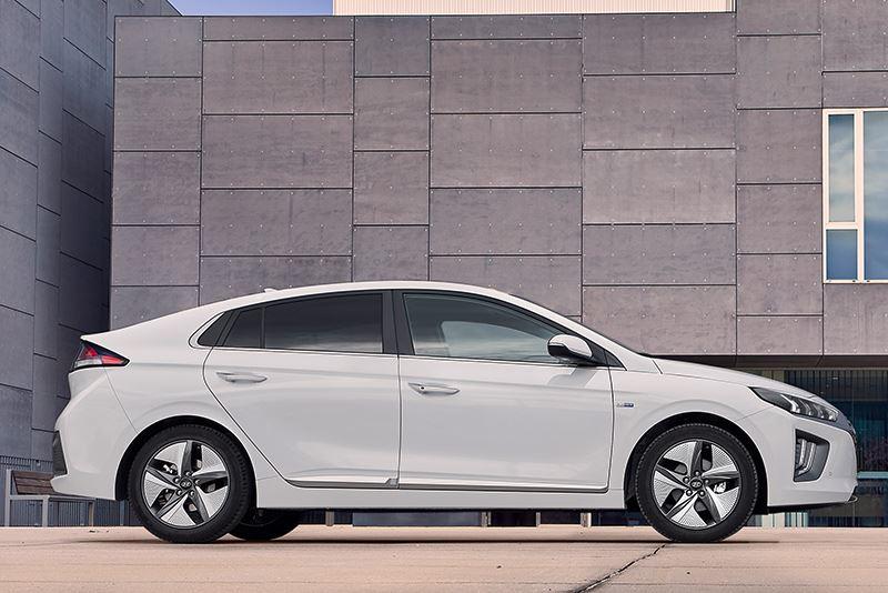 De Europese veiligheidsorganisatie Euro NCAP beloonde de Hyundai IONIQ met de maximale score van 5 sterren.
