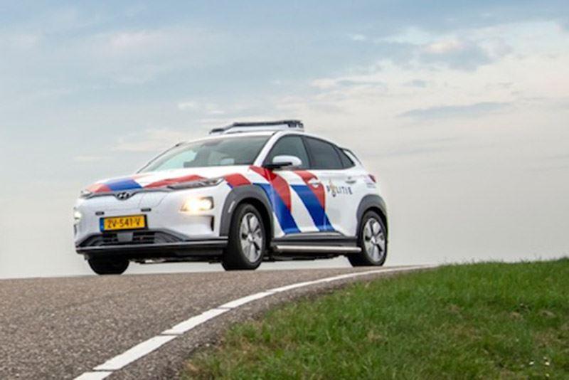 De Hyundai KONA Electric heeft een rijbereik van 449 km (volgens WLTP). Foto: Politie