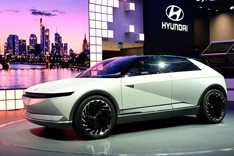 De Hyundai 45 is een studiemodel van een elektrische auto.