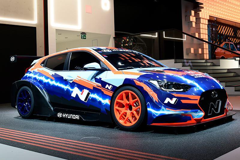 De Veloster N ETCR de eerste volledig elektrische raceauto van Hyundai.