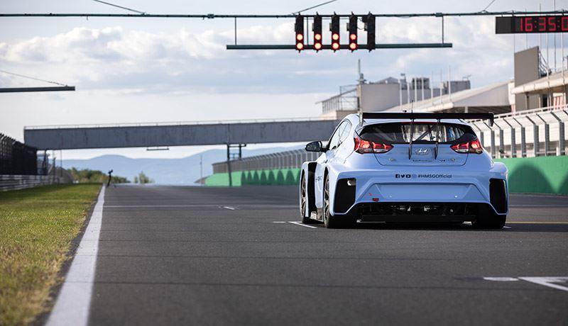 De elektrische raceauto Hyundai Veloster N ETCR is gebaseerd op de i30 N TCR en de Veloster N TCR.