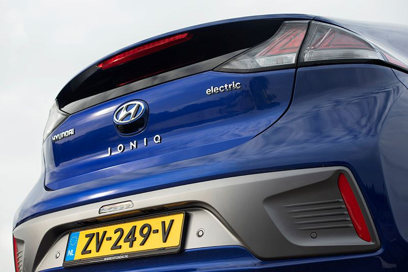 De Hyundai IONIQ Electric is direct uit voorraad leverbaar.