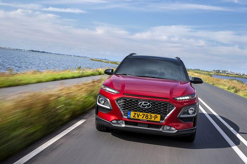 'Als je je laat aanmoedigen om zo zuinig mogelijk te rijden, word je dikke maatjes met de Hyundai KONA Hybrid.'