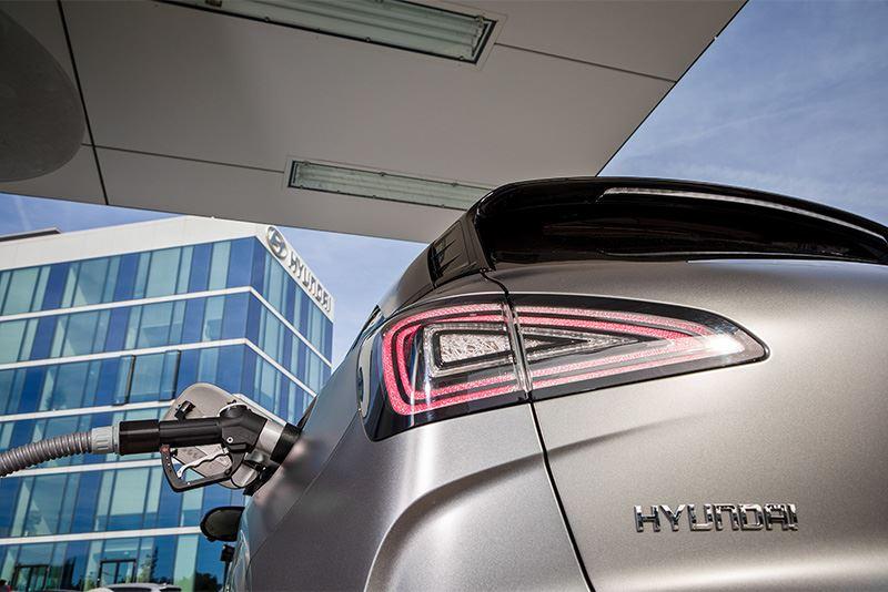 Hyundai zet nadrukkelijk in op elektrificatie van zijn modellen, dus ook waterstof-elektrisch aangedreven auto's als de NEXO.