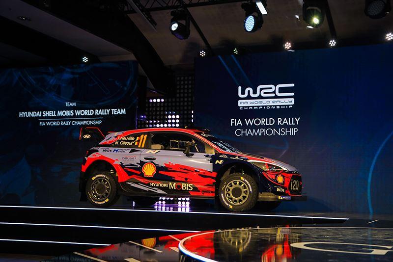 In deze 380 pk sterke rallyauto Hyundai i20 WRC werd Thierry Neuville voor de vijfde keer vicewereldkampioen.