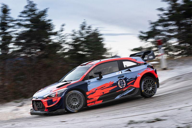 Ott Tänak test de Hyundai i20 WRC voor de Rally van Monte Carlo.