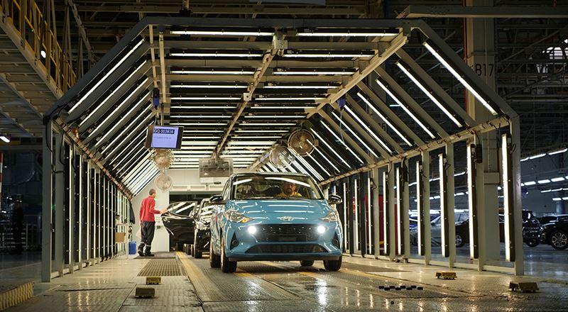 De nieuwe Hyundai i10 rolt van de band in de Hyundai-fabriek in Izmit in Turkije.