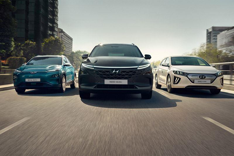 Met de geëlektrificeerde modellen (v.l.n.r.) KONA Electric, NEXO en IONIQ Electric wil Hyundai uitgroeien tot het groenste automerk ter wereld.